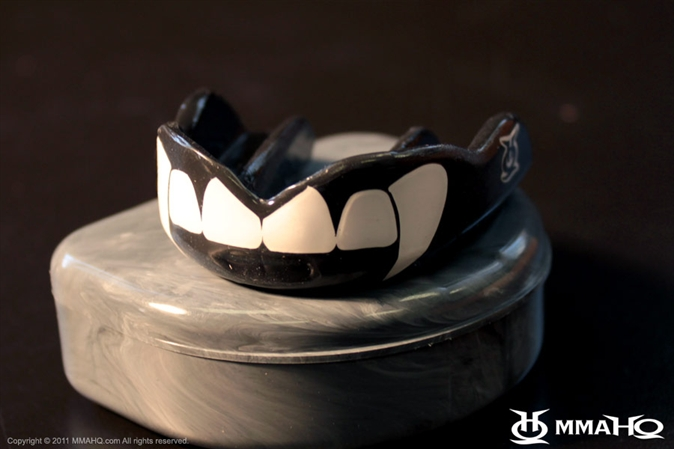 Mouthguard With Fangs Fight Dentist Fangs Mouthguard
